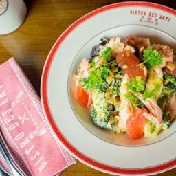Have lunch in under 45 minutes at Bistro Des Arts (via AB Lifestyle)